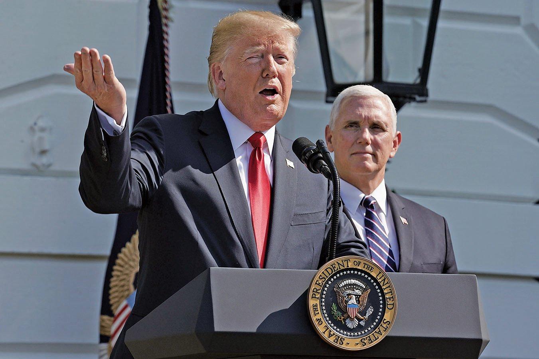 美國總統特朗普11月將赴歐洲,不會出席亞洲的東盟峰會和亞太經濟合作論壇(APEC),但會讓副總統彭斯(後)替代參加。(Getty Images)
