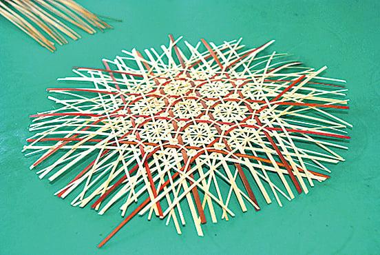 編織過程可見創作智慧。