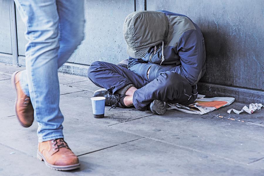 研究:幫助認識的人比做慈善更減壓