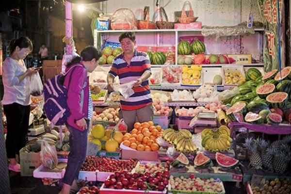 大陸8月份蔬菜價格比上個月上漲9%,豬肉價格上漲6.5%。(AFP)