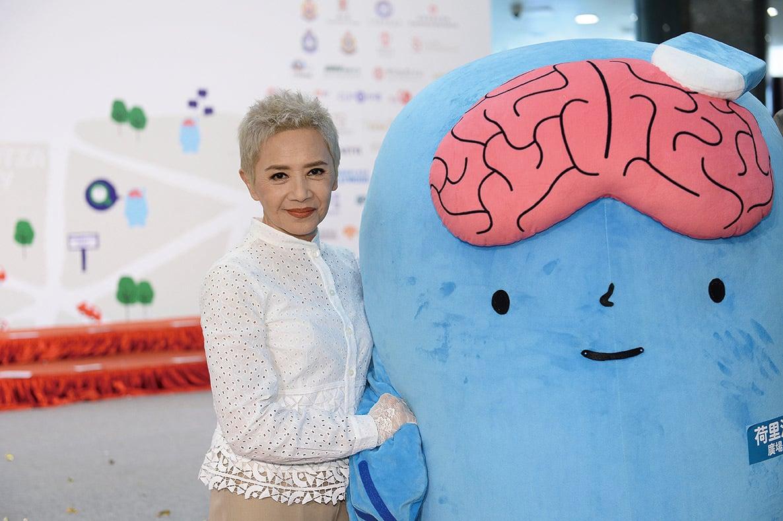 葉德嫻出席賽馬會「腦動耆跡」計劃閉幕禮,呼籲關懷腦退化症患者。(宋碧龍/大紀元)