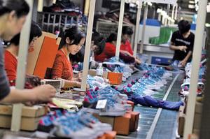 貿易戰衝擊下 「世界工廠」加速坍塌