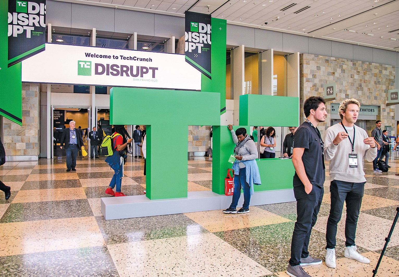 國際創業盛會「TechCrunch Disrupt」9月5日開始在三藩市盛大展開,現場有超過千家廠商出展。(曹景哲/大紀元)