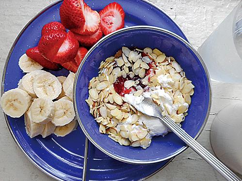 燕麥片的熱量低,但纖維和蛋白質含量高,這可能有助於減輕體重。它還含有β-葡聚糖,可以降低血糖和食慾。(Pseph/Flickr)