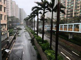【山竹襲港】山竹十號颶風創紀錄 本港海陸空交通癱瘓