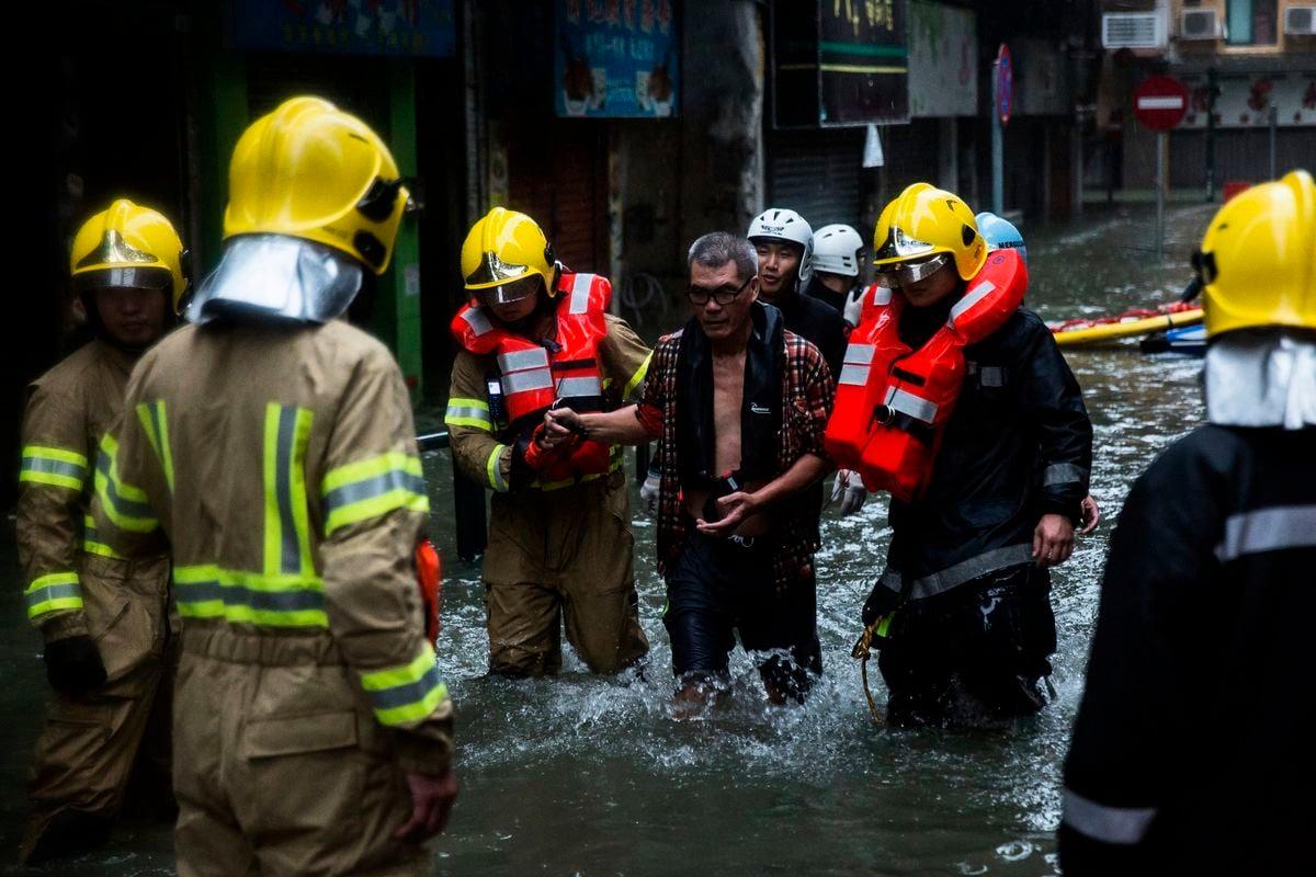 山竹颱風侵襲澳門,水浸嚴重。(Getty Images)