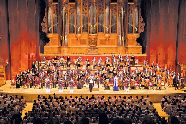 神韻交響樂團2018首演爆滿
