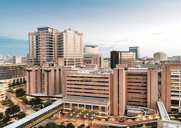 德州大學安德森癌症研究中心四名華人教授因與中共「千人計劃」有關被懲,當中一人被美國當局逮捕。(維基百科)