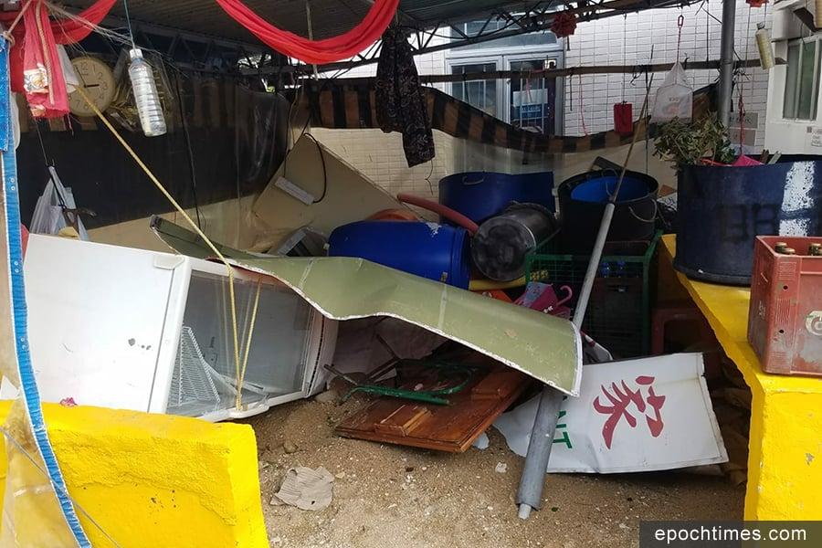 蒲台島村落在山竹吹襲過後,一片凌亂。(圖片來源:蒲台島原居民提供)