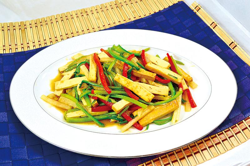 【梁廚美食】菠菜梗沙葛炒豆腐乾