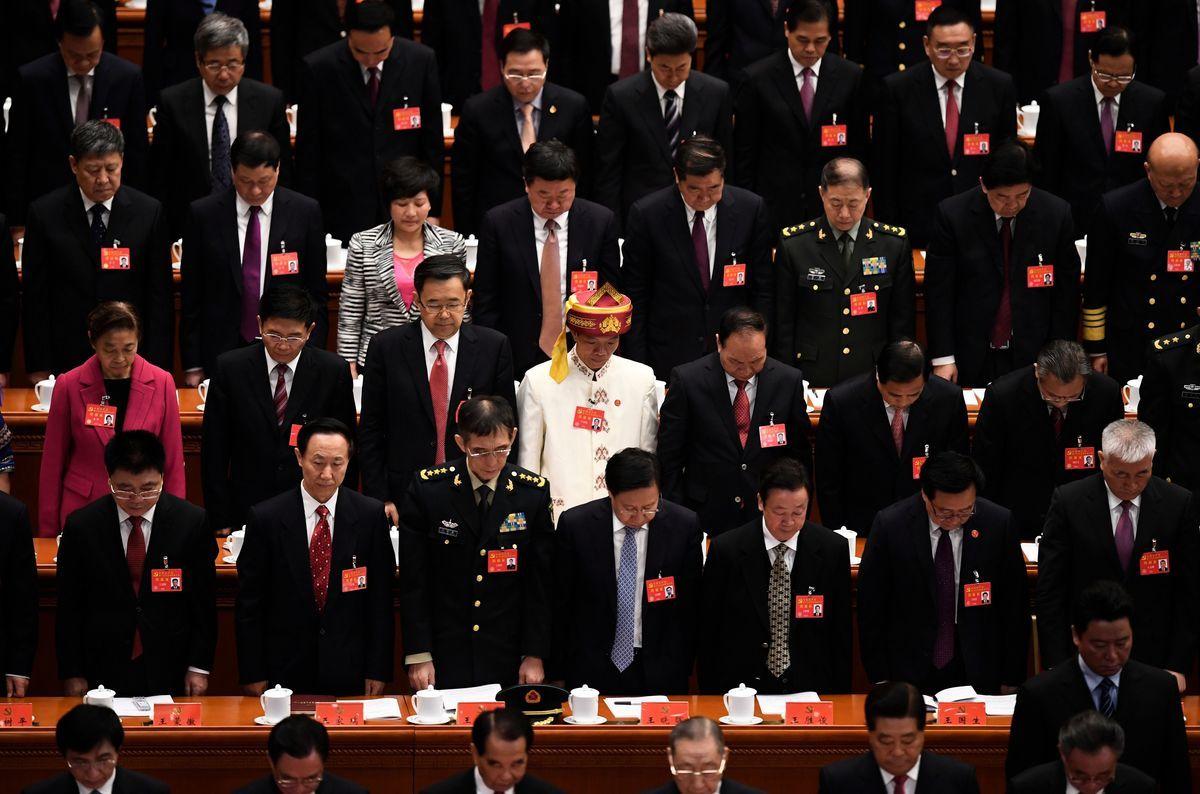 專家分析說,美國上周宣佈對中共軍方及一名中將進行金融制裁,震懾中共省部級以上的高官。美方此舉透露明確信號,若犯罪,中共高官本人也要承擔責任。圖為2017年10月18日在北京舉行的中共黨代表大會。(Getty Images)
