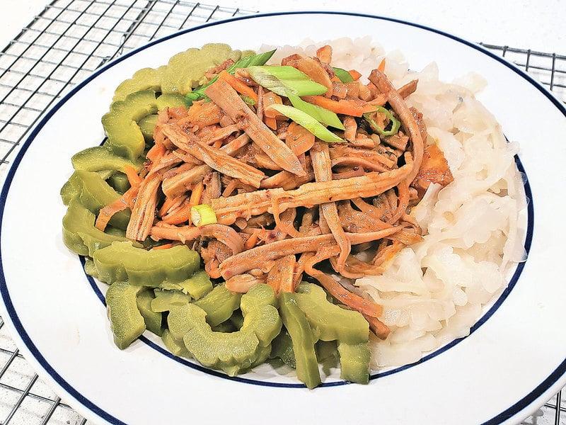 涼拌海參筋&白綠苦瓜