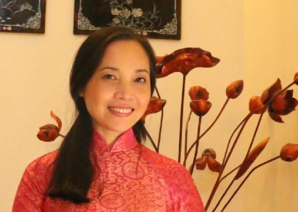 越南著名舞蹈演員李維(Le Vi)近照