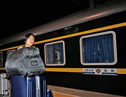 新疆停售火車票 疑轉移在押維吾爾人
