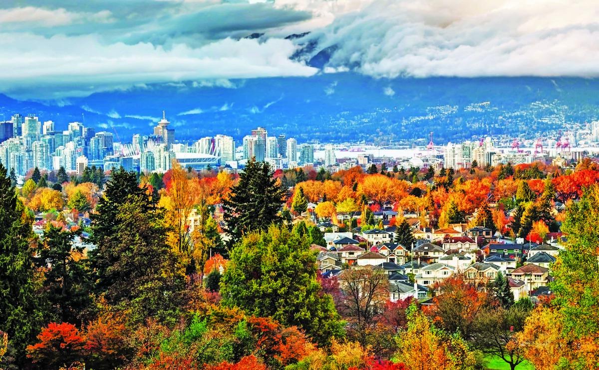 蘇富比9月份前兩周初步數顯示,溫哥華逾100萬加元的房屋銷售只有55個單位,同比暴跌 66%,預示秋季市場黯然。(iStock)