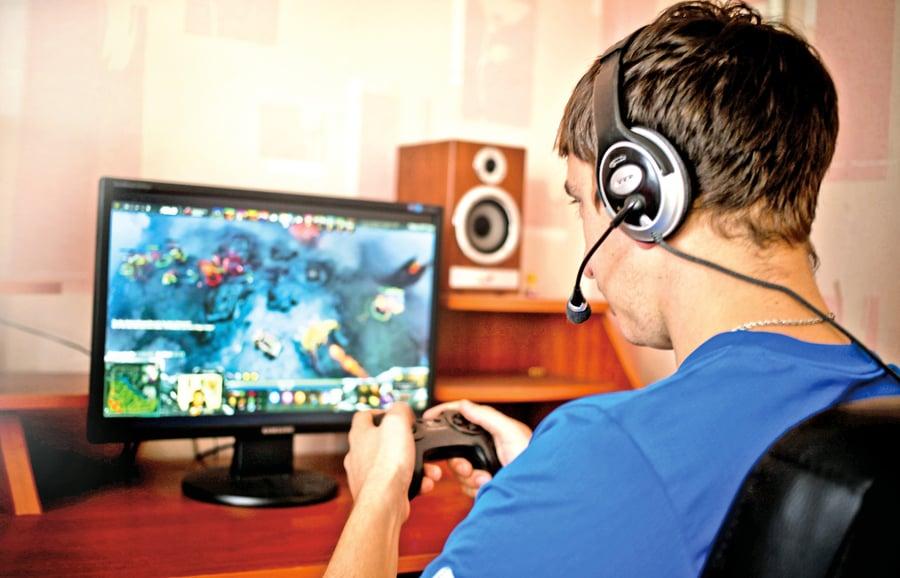 電玩遊戲成癮! 平衡網絡與現實生活 人生不迷「網」