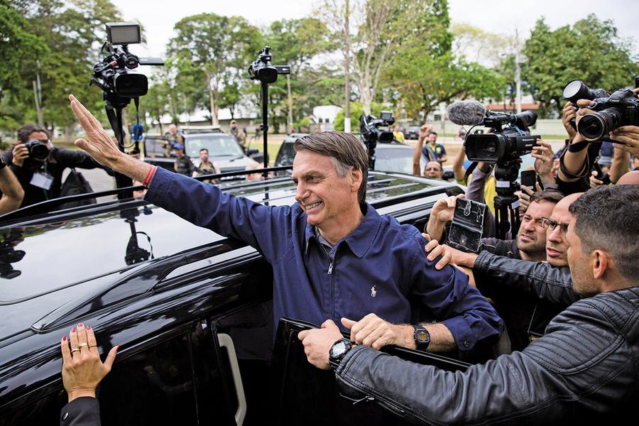 巴西總統大選首輪投票 巴西版特朗普領先挺進決選