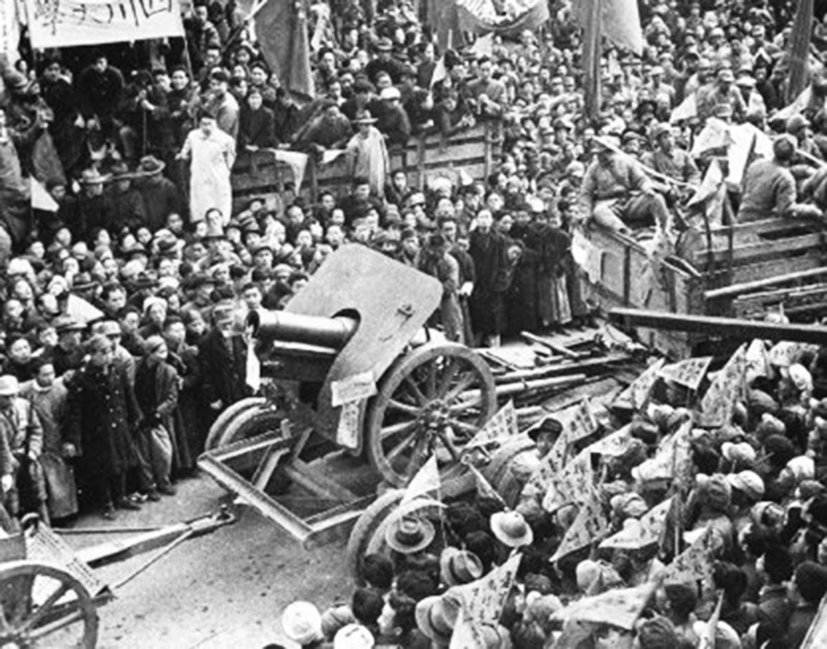 1949年中共竊國,進城後不久,幾十萬幹部「換老婆」成風。(網絡圖片)