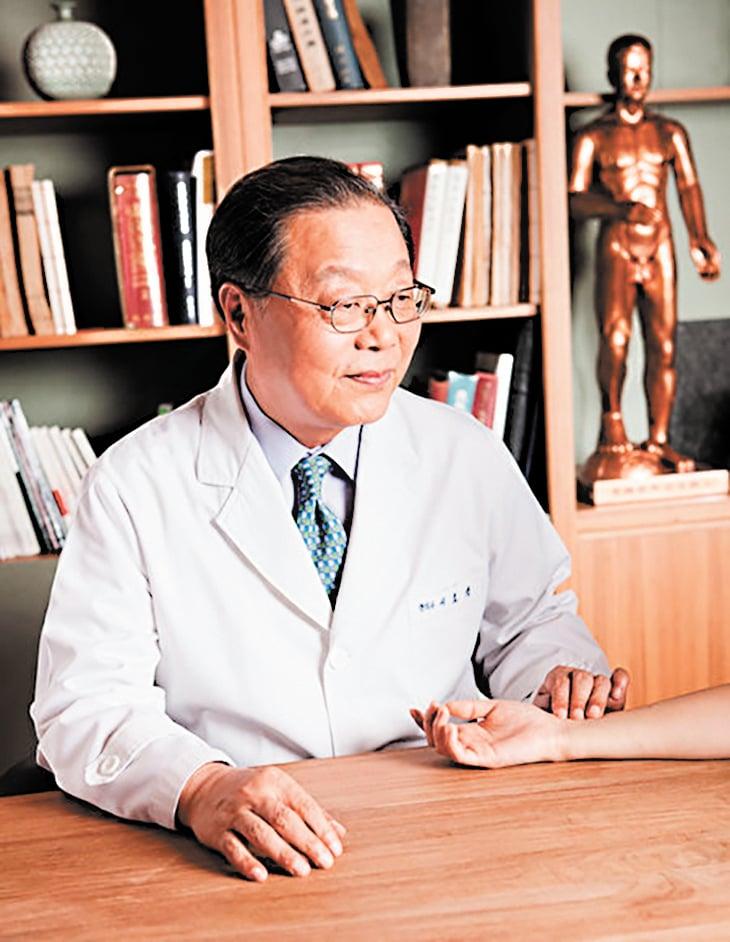 康韓醫院徐孝錫院長。(大紀元圖片庫)