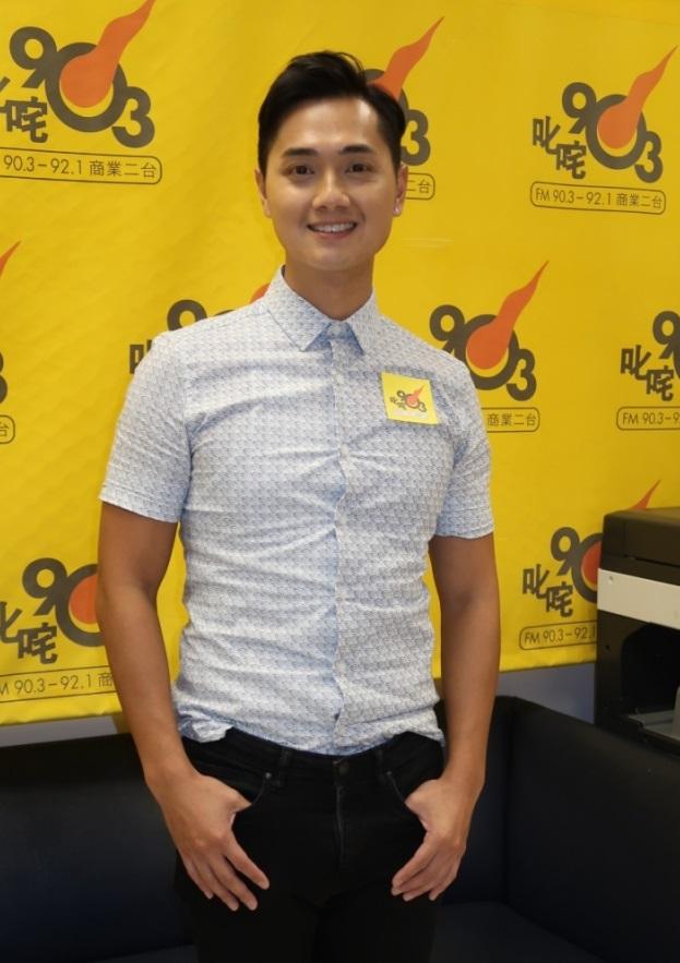 鄭俊弘到電台宣傳新碟《星光》,表示反響不俗。(網絡圖片)