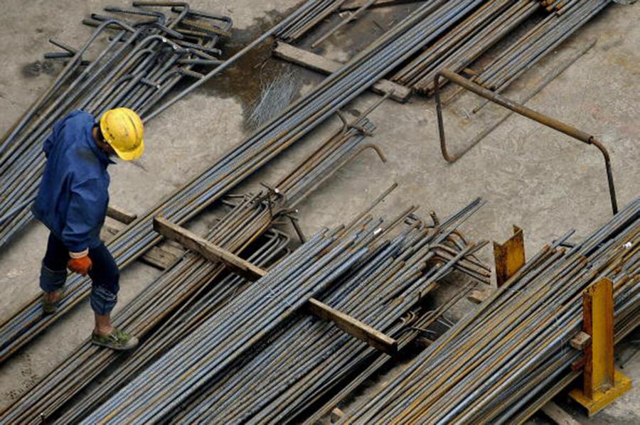 渤海鋼鐵被爆出近兩千億債務危機後,今年8月,渤海鋼鐵正式進入破產重整程序。(PHILIPPE LOPEZ/AFP/Getty Images)