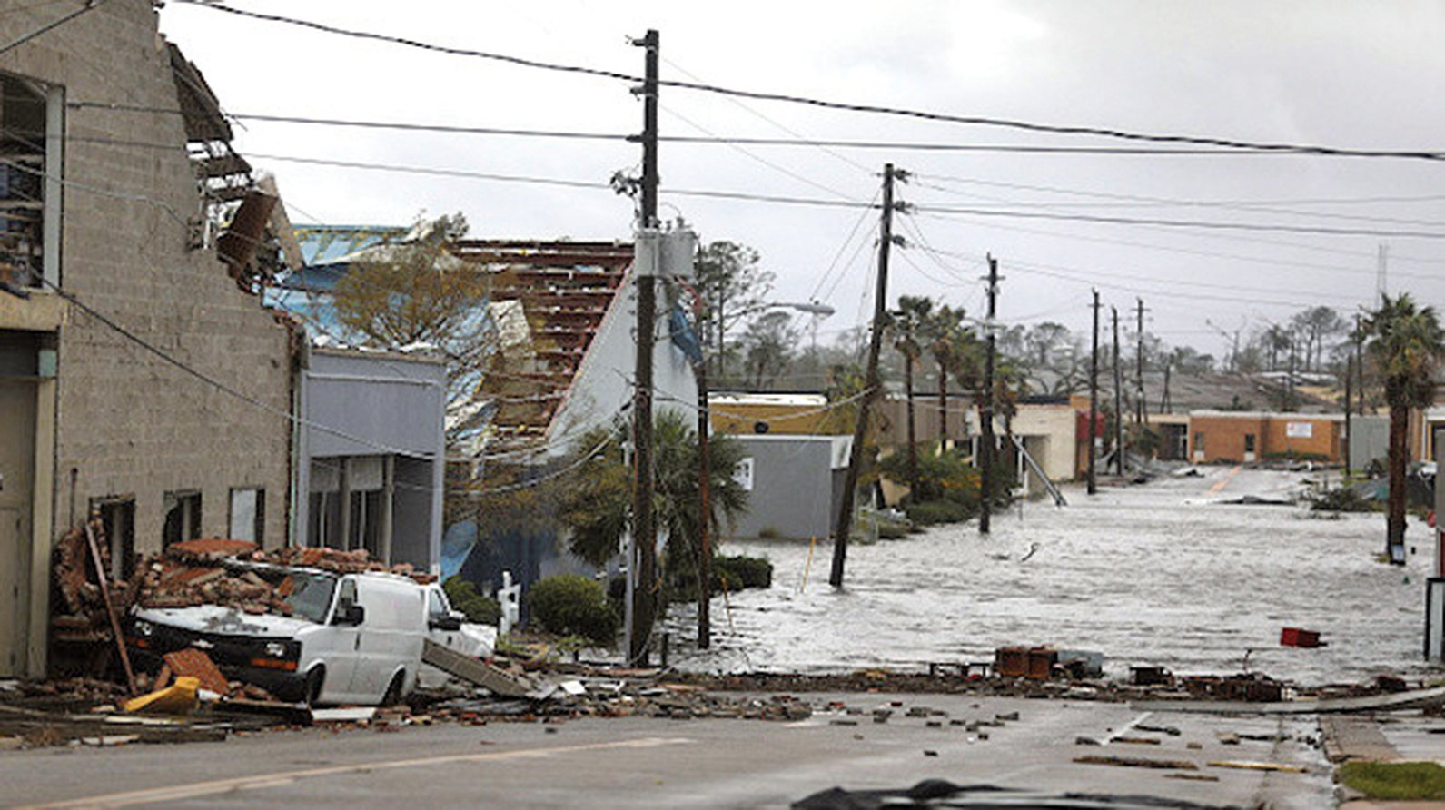 颶風邁克爾登陸時的氣壓為919毫巴,這是有史以來襲擊美國的第三個最強颶風。(Getty Images)