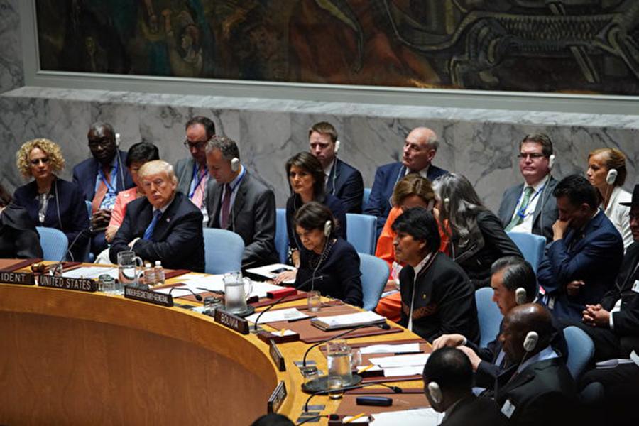 世界開始關注中共對國際組織的滲透。有外交官稱「中共正在聯合國掌權」。圖為在紐約召開的聯合國安理會會議。(Don EMMERT / AFP)