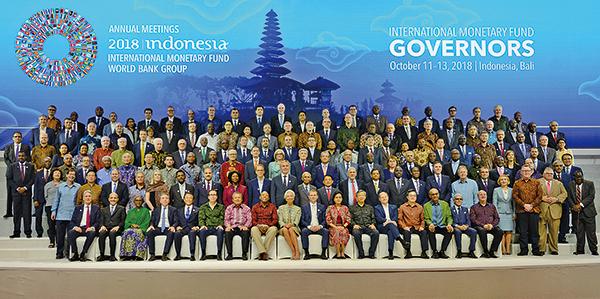 11日至13日,國際貨幣基金組織和世界銀行在印尼舉行年會。更多人支持美國立場,呼籲國際組織及各國共同應對中共的不公平貿易行為。(Getty Images)
