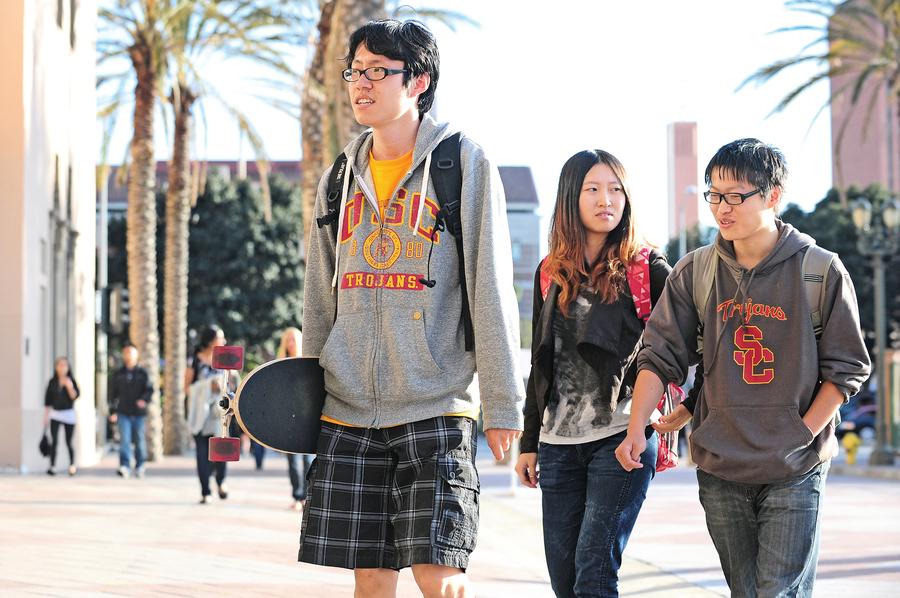 美國為何多次欲停中國學生簽證?