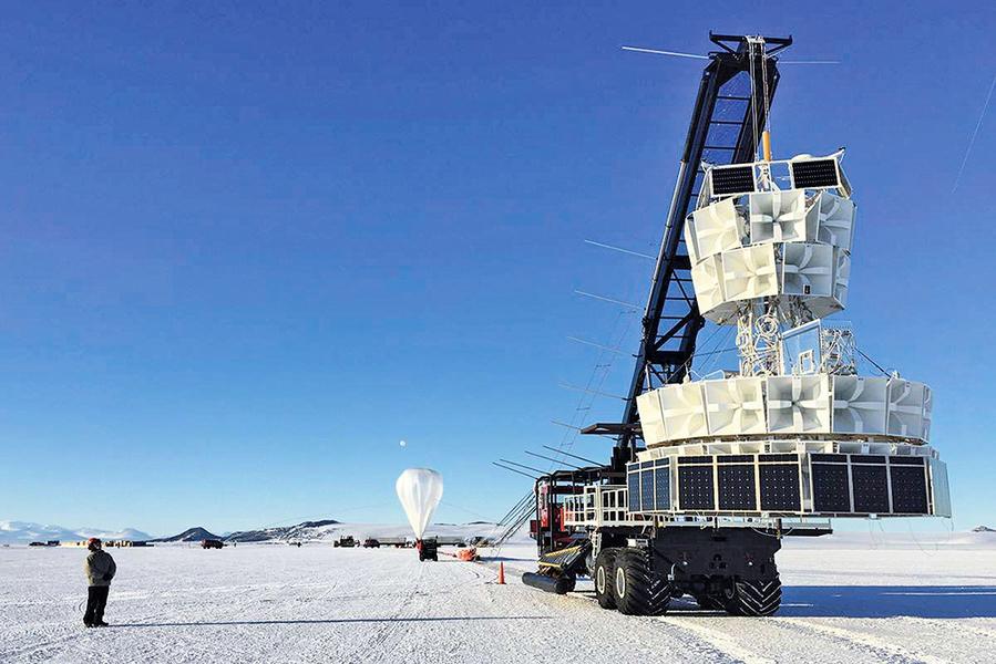 南極上空測到神秘粒子 或打破物理定律