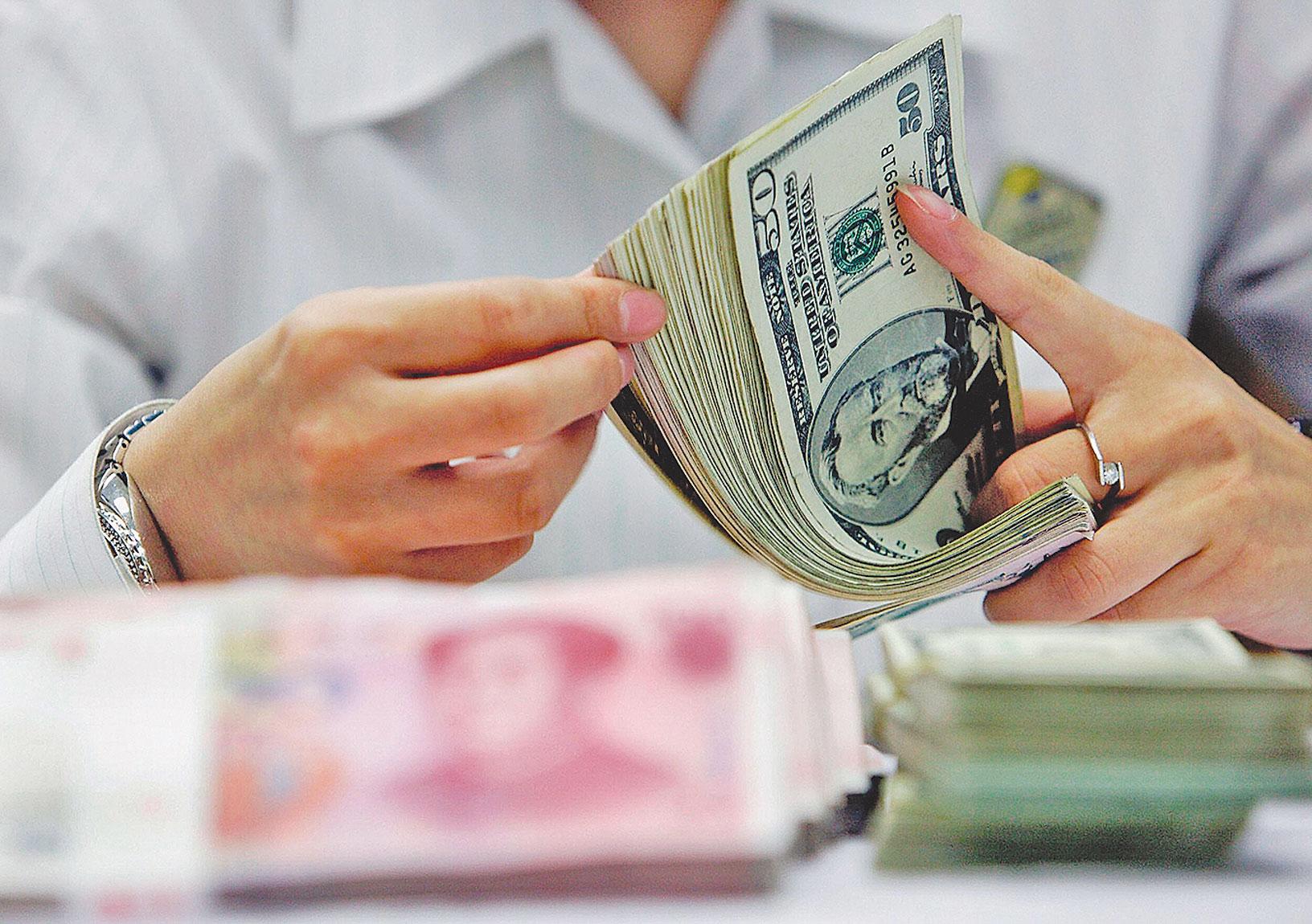 中國政府的新政策證明,中國不僅不簡單跟隨減稅,反而全面加稅,中共陷入財政危機。(Getty Images)