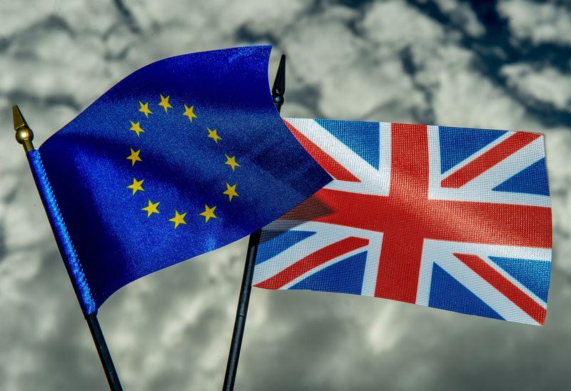 英國公投民調 中間選民憂脫歐加重經濟負擔