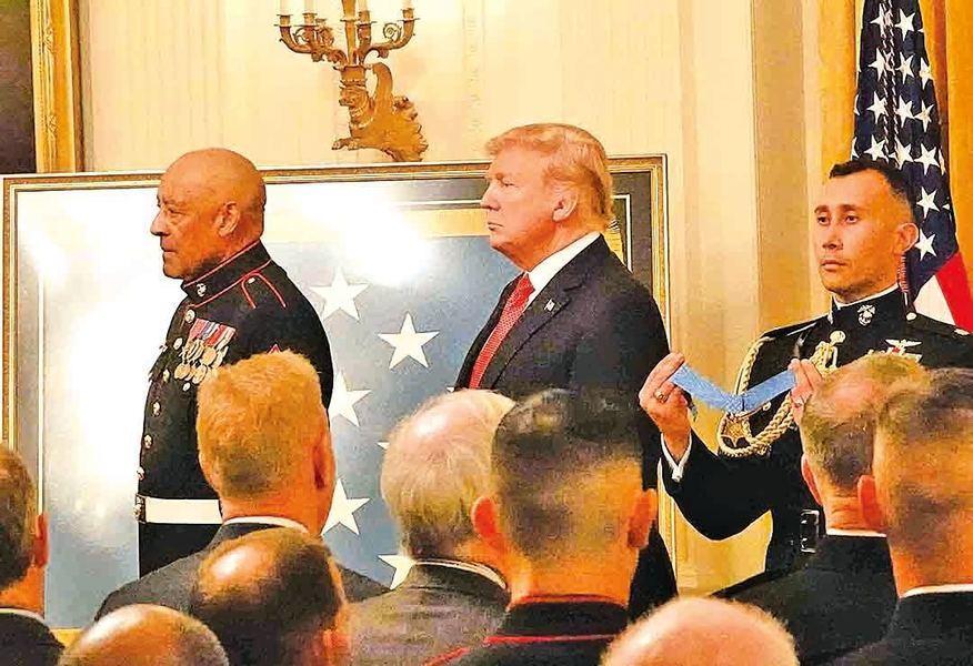 英勇抗越共 80歲越戰老兵獲授勳