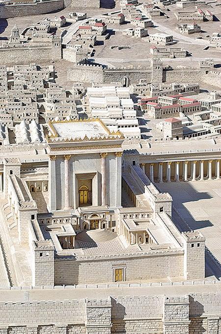 希律王擴建的第二聖殿的模型。(公有領域)