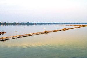 柬埔寨知名竹橋 年年建年年拆