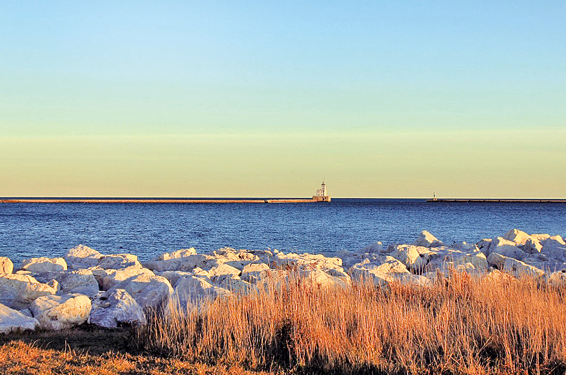金風颯爽,白露為霜,遡游從之,「蒹葭」宛在水中央(圖片來源:pixabay)