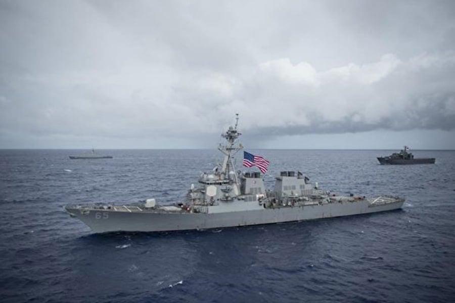 中華民國國防部10月22日晚間表示,兩艘美艦航經台灣海峽。7月7日美國也有2艘驅逐艦航經台灣海峽。圖為DDG-65檔案照片。(美國軍艦DDG-65臉書facebook.com/ussbenfold)