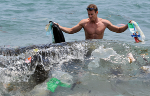 世界海洋日  聚焦海洋塑料污染