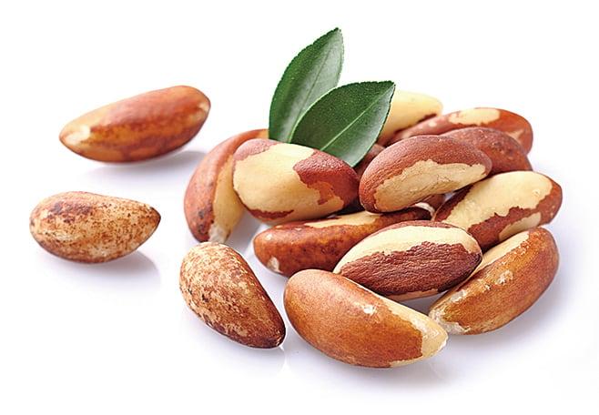 巴西堅果能夠提供人體每日所需的硒,以促進甲狀腺健康。