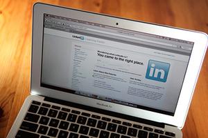 中共借LinkedIn招募間諜 數千法國人被盯上