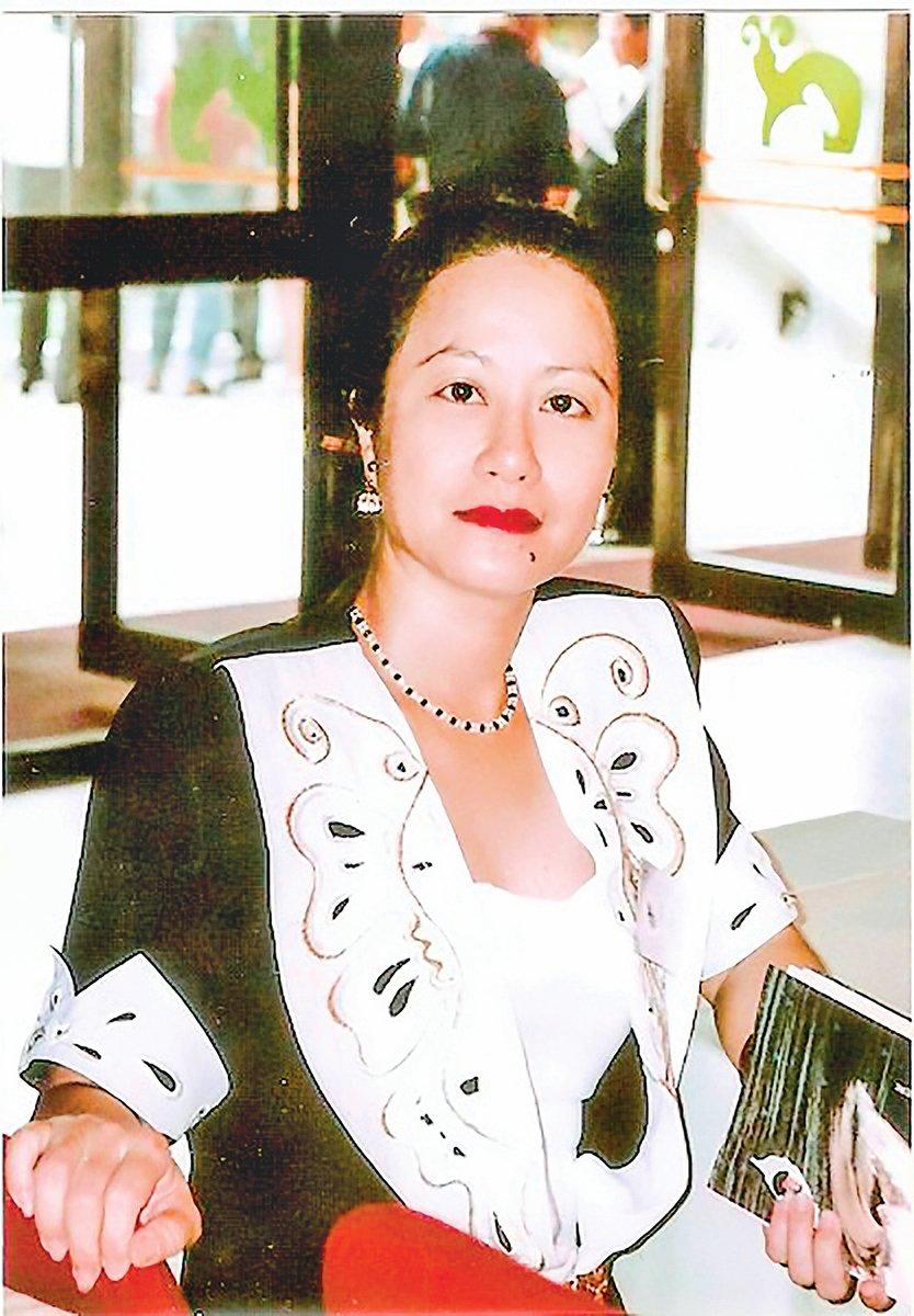 曾任教於台灣靜宜大學中文系的詩人王麗華。
