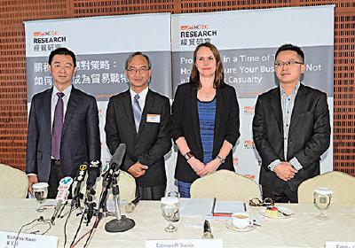 貿發局指,貿易戰下香港出口前景較08年海嘯更差。(宋碧龍/大紀元)