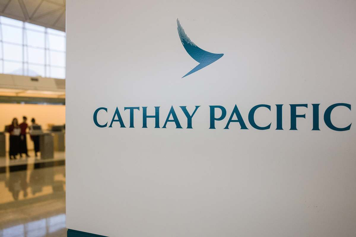 國泰航空前晚10時許公佈,約940萬名乘客資料被不當取覽。個人資料私隱專員公署表示非常關注事件,會就事件展開循規審查。(ANTHONY WALLACEAFP/Getty Images)