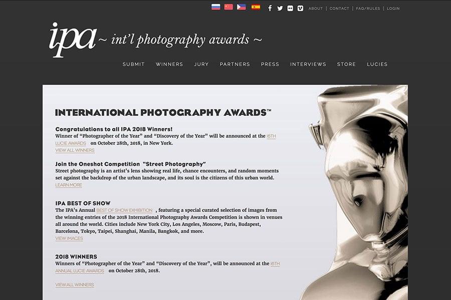 美國IPA(International Photography Awards)國際攝影獎,被譽為「攝影界奧斯卡金像獎」。(International Photography Awards官方網頁擷圖)