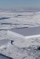 南極赫見方整矩形冰山