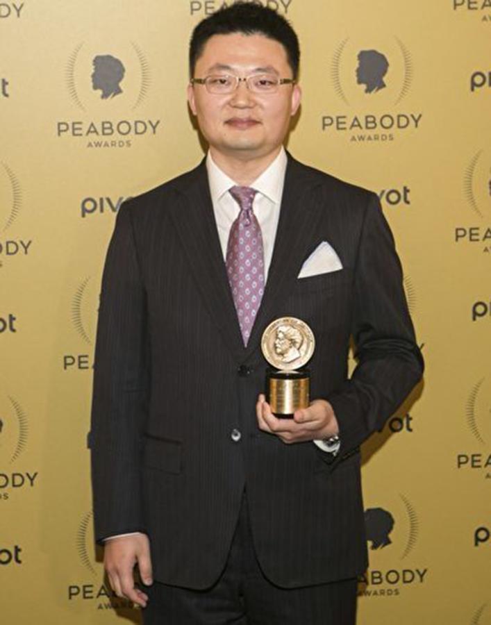 李雲翔曾經獲得美國皮博迪獎(George Foster Peabody Awards),這個獎項專門為新聞採訪、紀錄片製作、科教片及兒童節目設立,是這一領域歷史最悠久、最權威的全球性獎項之一,也是美國廣播電視最高榮譽,被稱為廣播電視媒體界的普利茲新聞獎。(Jemal Countess/Getty Images)