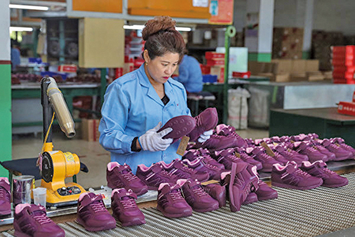 隨著國內外需求的減少,中國製造業在10月份幾乎沒有增長,這表明中國經濟因中美貿易戰的激化而放緩。(Getty Images)