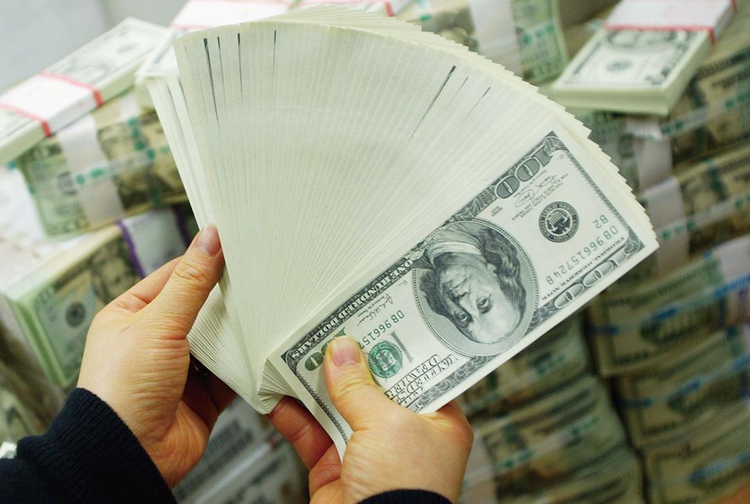 美國勞工部周三(10月31日)公佈就業成本報告,今年第三季度工資較去年同期增長3.1%,為10年來最大增幅。(Getty Images)