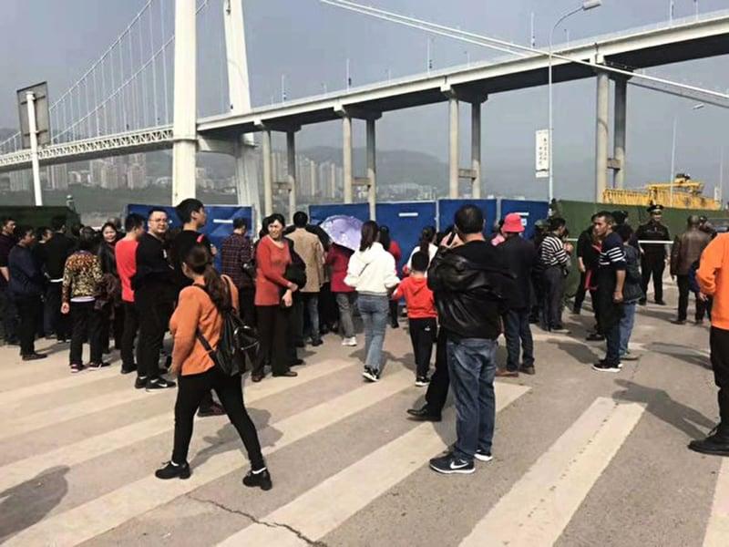 一場爭吵釀大禍 重慶巴士墜江原因曝光