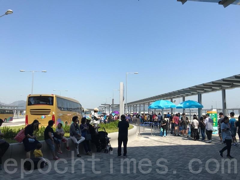 圖為港珠澳大橋香港口岸穿梭巴士站資料圖片。(大紀元資料室)